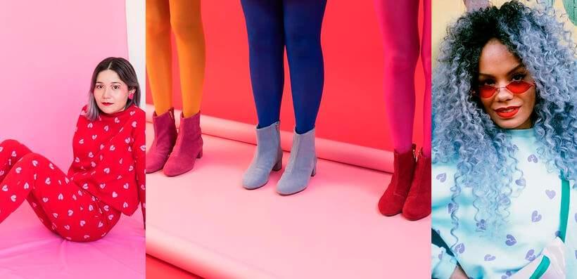 tres fotos lado a lado. na primeira, uma modelo sentada, em um fundo rosa, vestindo calca e blusa vermelhas com bolinhas. na segunda, tres pernas, em um fundo rosa, com meias calca coloridas. na terceira, uma mulher de cabelos coloridos