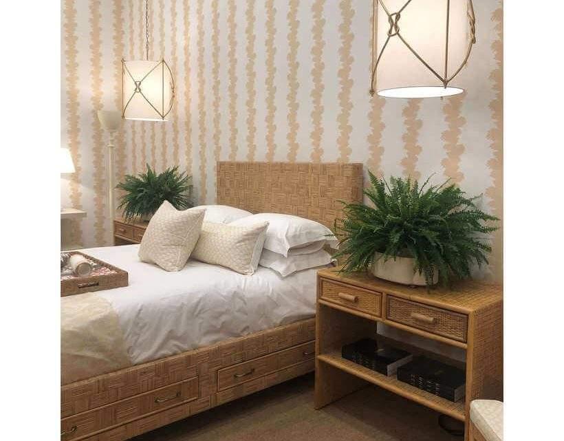 Que tal samambaias no quarto, cujos móveis são 100% de fibra natural? Ambiente que segue o estilo arte étnica exposto na feira de design francesa. Foto: Viví Kolér.
