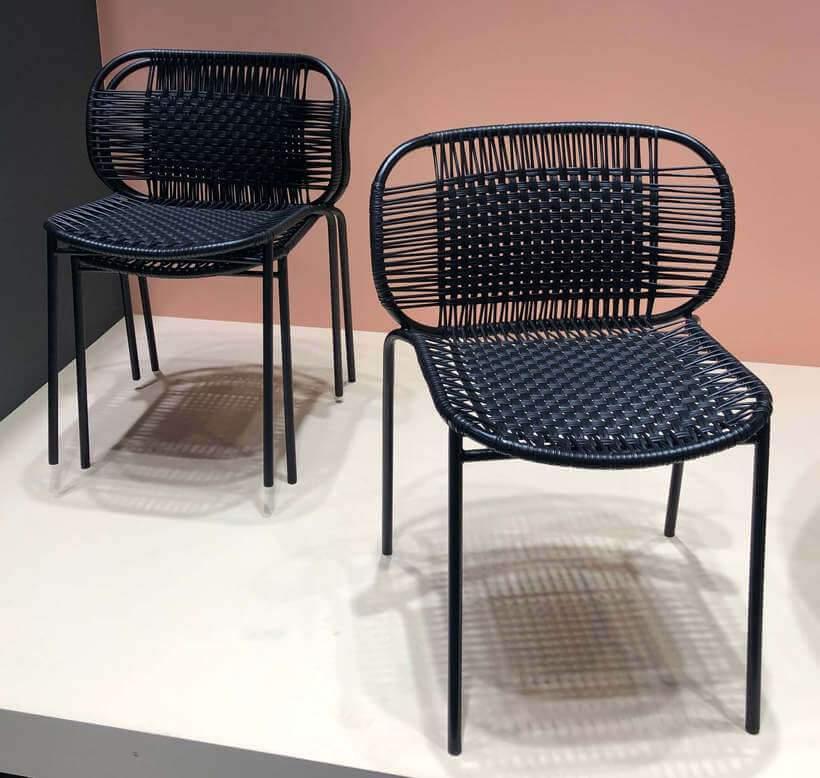 Lançamento 2019 para a marca alemã Ames Sala (https://www.ames-shop.de), a cadeira Cielo leva a assinatura do Sebastian Herkner e é produzida artesanalmente na Colômbia. Foto: Viví Kolér.