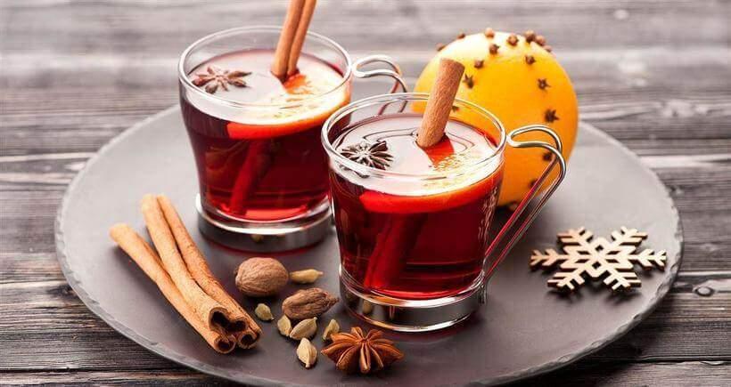 Chás para o inverno com especiarias.