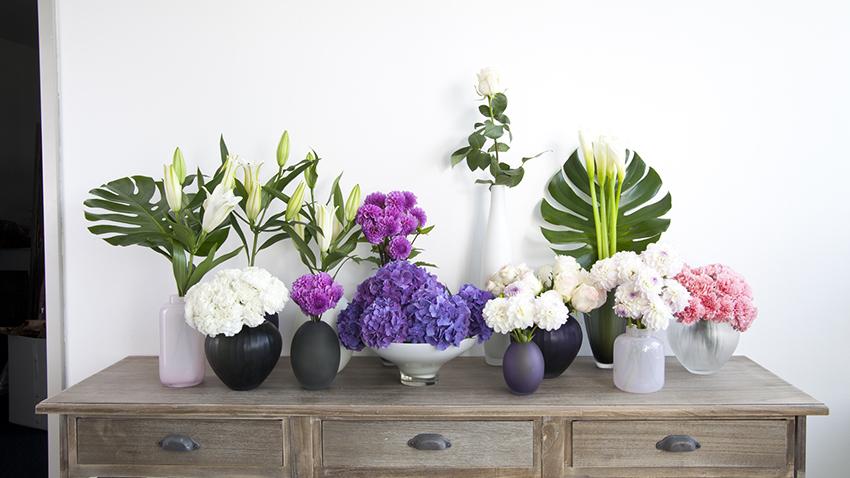 Flores em apartamento pequeno.